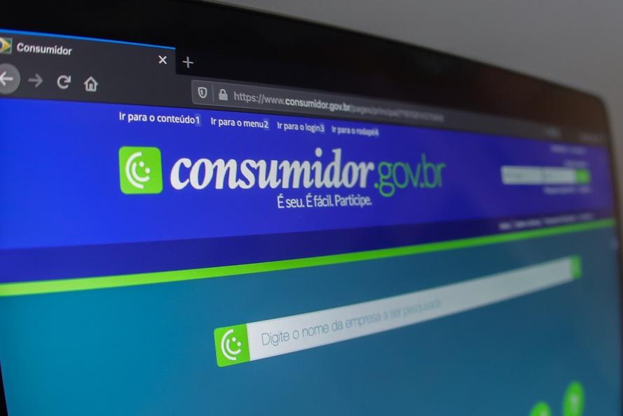 Procon-PR realiza mutirão on-line de renegociação de dívidas