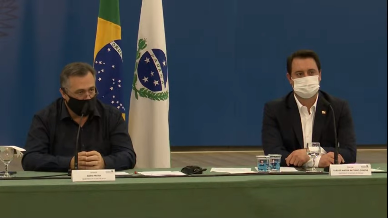 Governo do Paraná prorroga toque de recolher e restrição a serviços não essenciais
