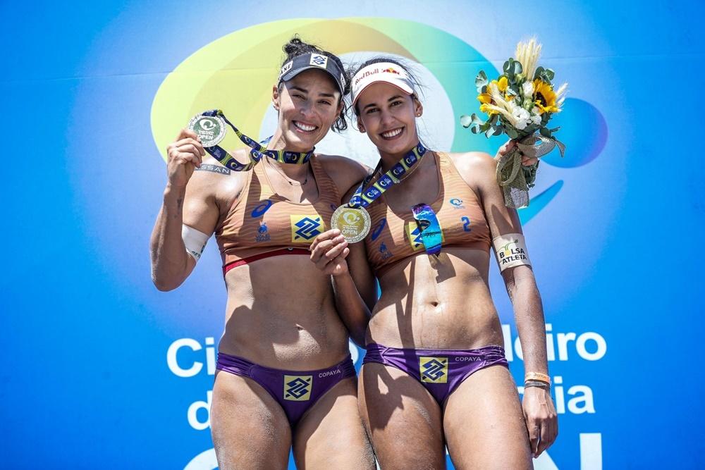Ágatha e Duda são as campeãs da temporada 20/21 do Circuito Brasileiro de Vôlei de Praia