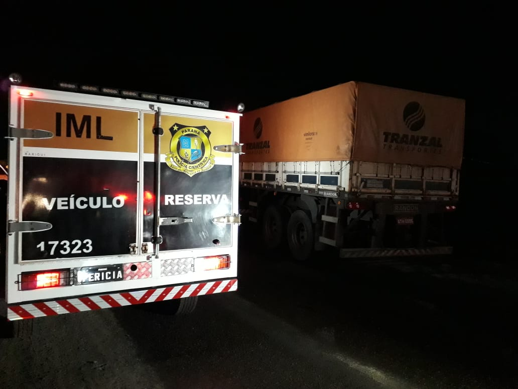 Testemunhas relataram que viram o motorista falando com três pessoas antes de ser assassinado. O caminhão estava parado na marginal da Avenida Ayrton Senna, nas proximidades da rotatória do Parque São João