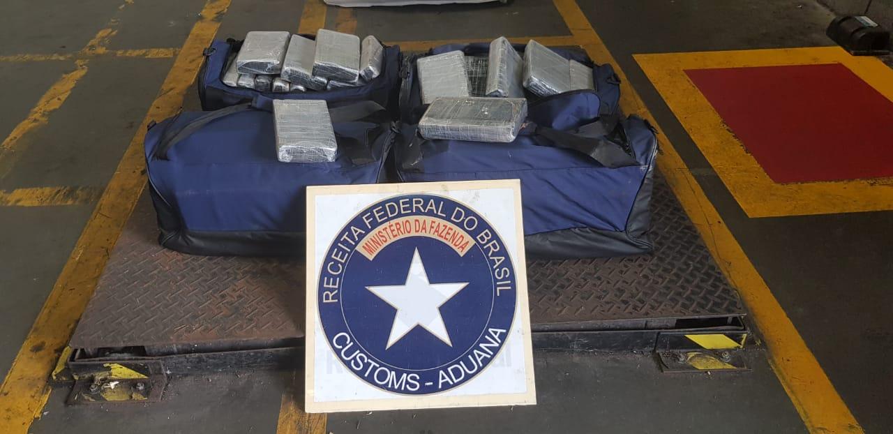 Receita Federal apreende mais de 100 quilos de cocaína no terminal de contêineres do Porto de Paranaguá