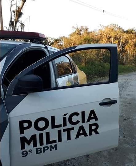 Caminhoneiro é algemado e amarrado durante assalto em Paranaguá