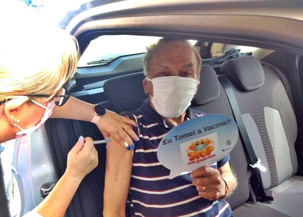 Paranaguá segue esquema de vacinação com aplicação da segunda dose do imunizante