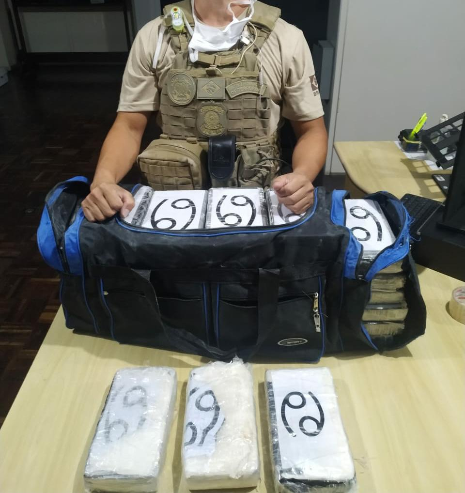 Polícia Federal prende homem suspeito de tráfico internacional de drogas no Porto de Paranaguá