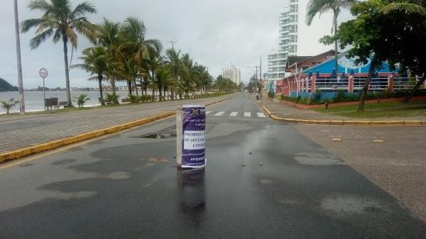 Barreiras restritivas nas entradas das cidades e fechamento das praias foram essenciais para redução de casos (Foto: Prefeitura de Guaratuba)
