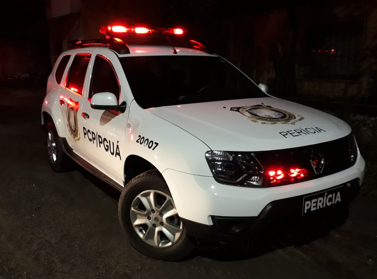 Equipes da Polícia Civil acompanharam o trabalho dos peritos e conversaram com parentes das vítimas e testemunhas